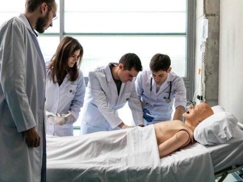 Estudiar Enfermería en el CEU